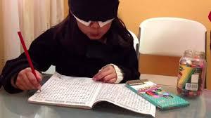 Niños leen y aprenden sin ver con los ojos físicos